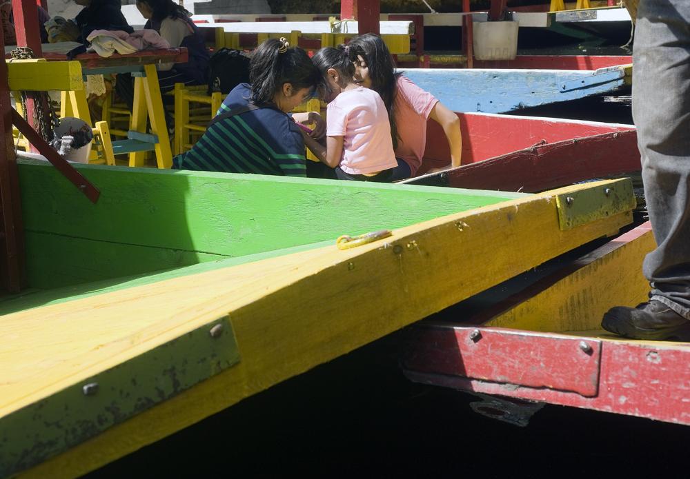Meninas em Xochimilco.